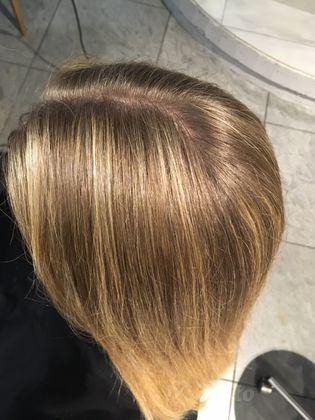 Koloryzacja i farbowanie włosów Poznań